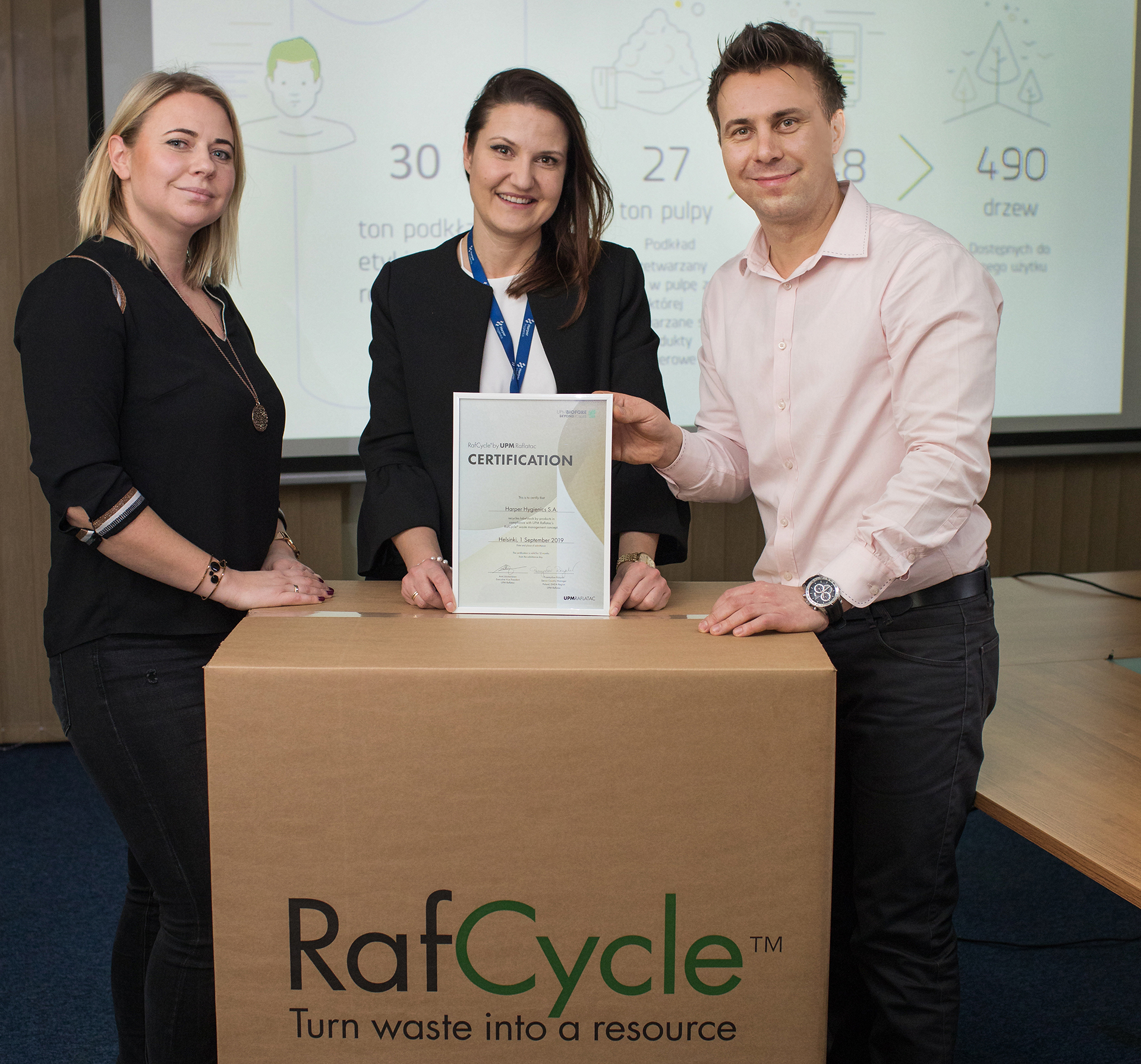 Harper-receives-recycling-certificate
